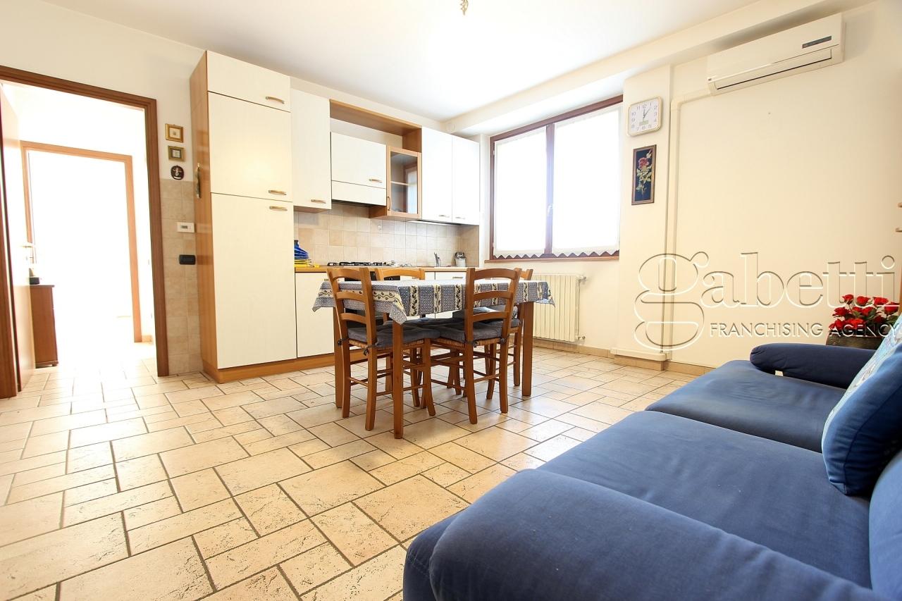 Appartamento in vendita a Vanzago, 2 locali, prezzo € 85.000 | PortaleAgenzieImmobiliari.it
