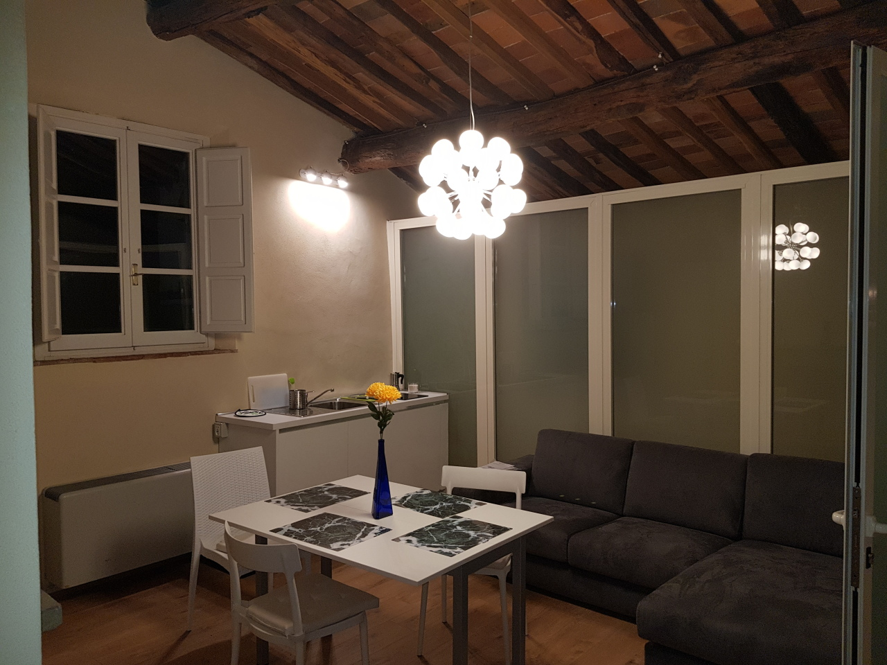 Pentalocale in ottime condizioni arredato in affitto Rif. 5323909