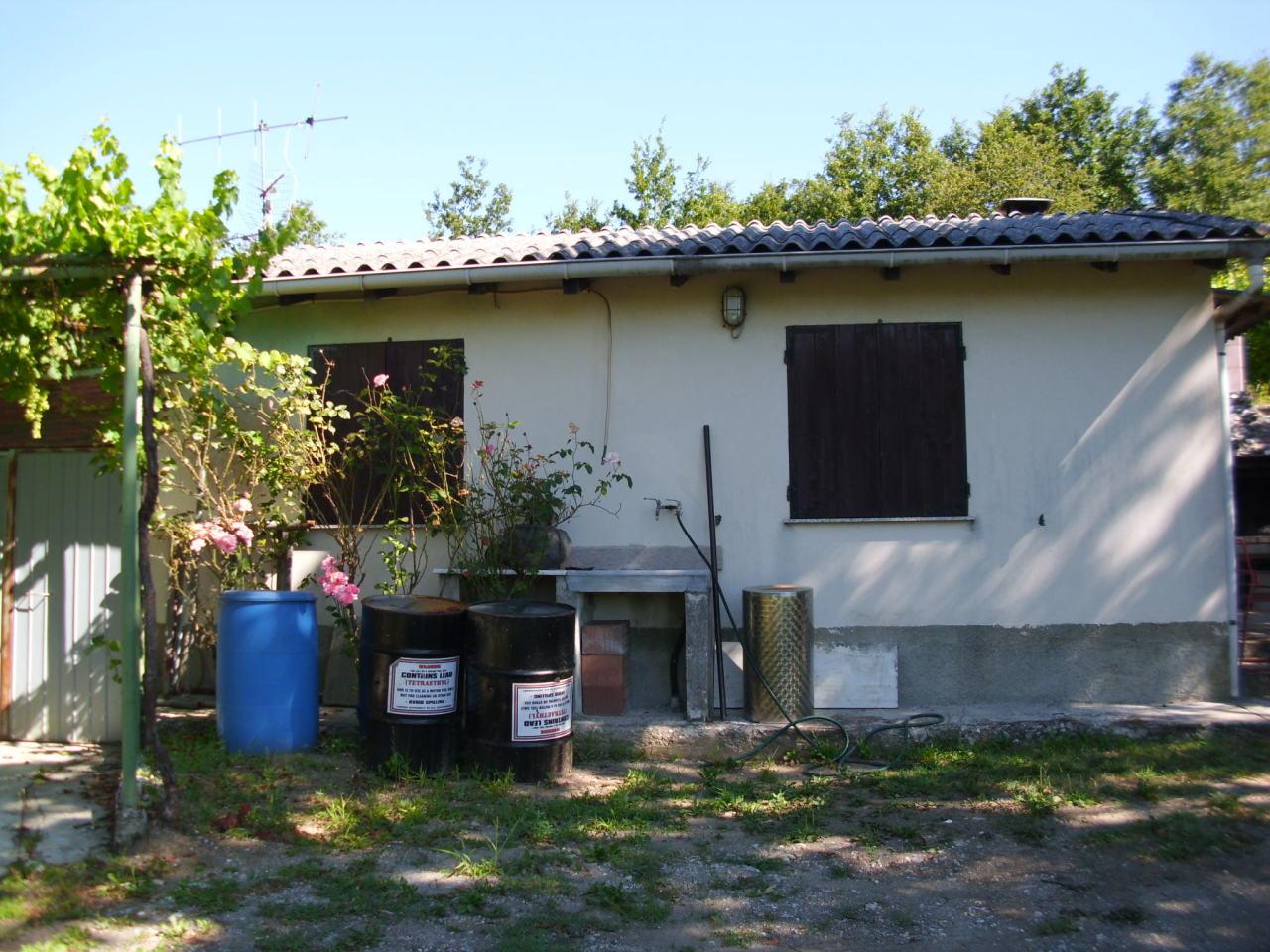 Casa Indipendente in discrete condizioni in vendita Rif. 9574433