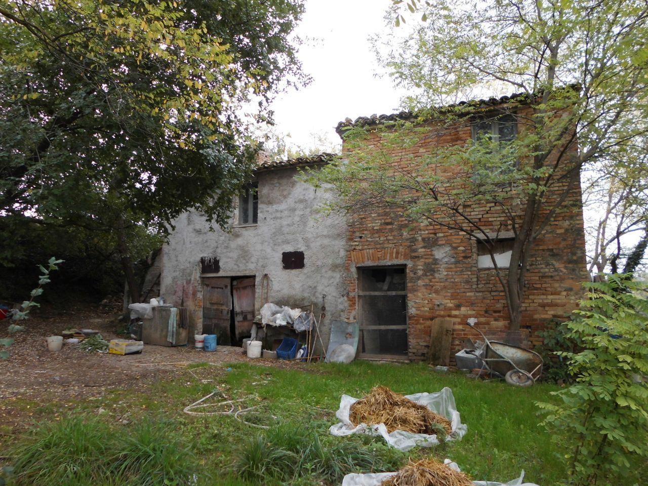 Soluzione Indipendente in vendita a Staffolo, 5 locali, prezzo € 100.000 | CambioCasa.it
