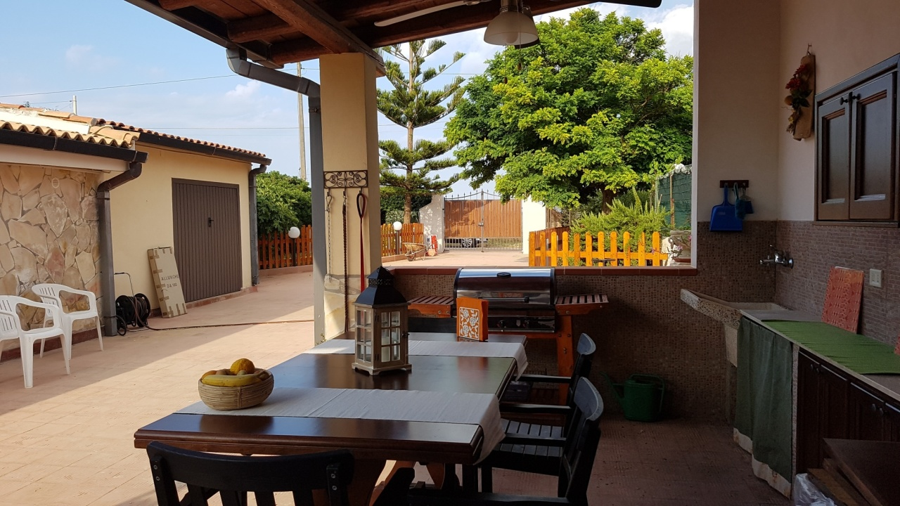 Villa in ottime condizioni arredato in affitto Rif. 9854486