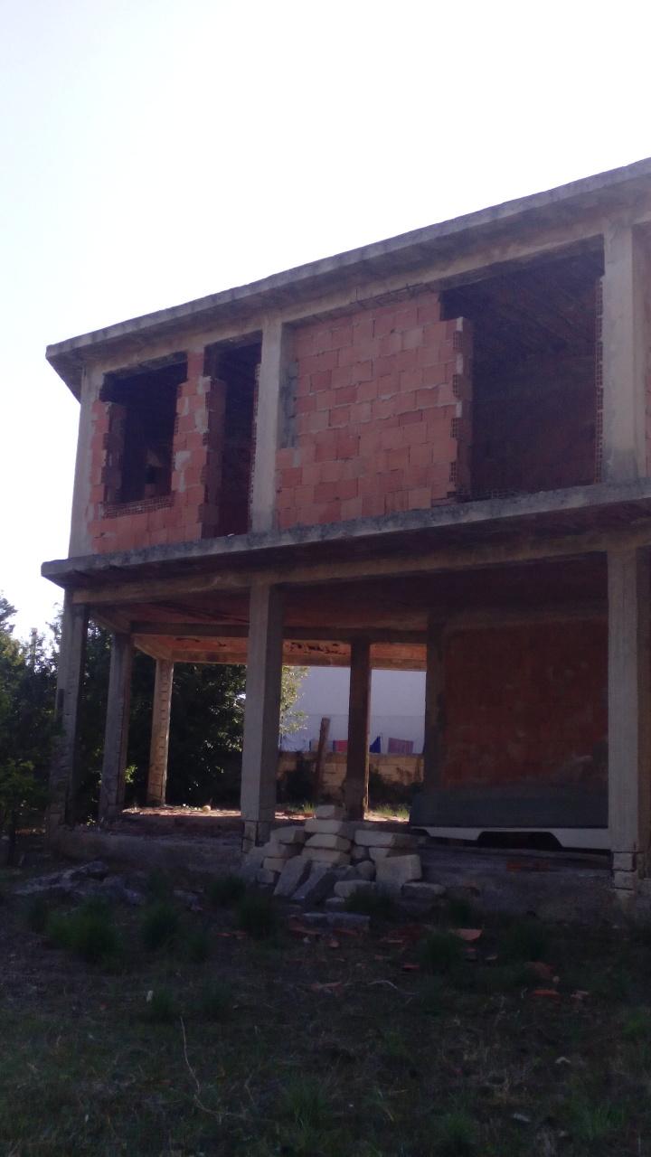 Villa in discrete condizioni in vendita Rif. 9612208