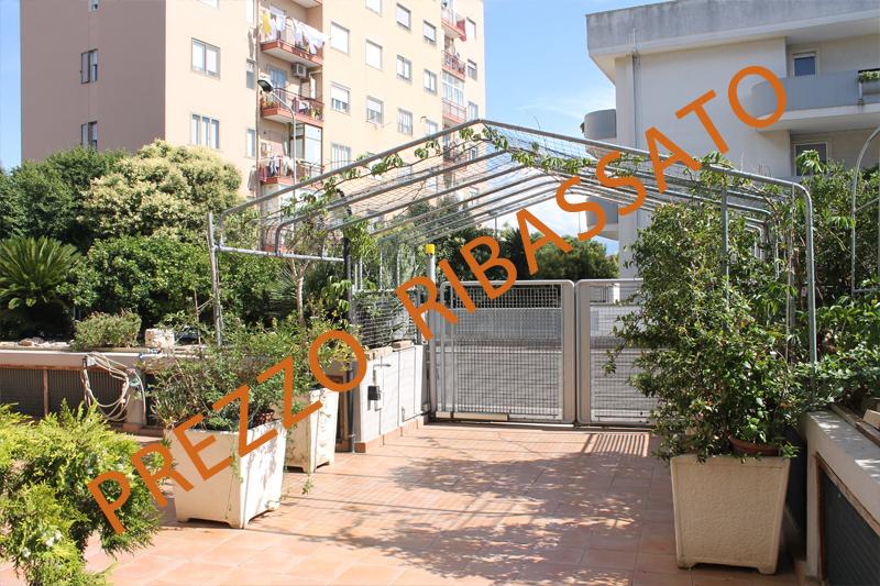 Appartamento in buone condizioni in vendita Rif. 9239986