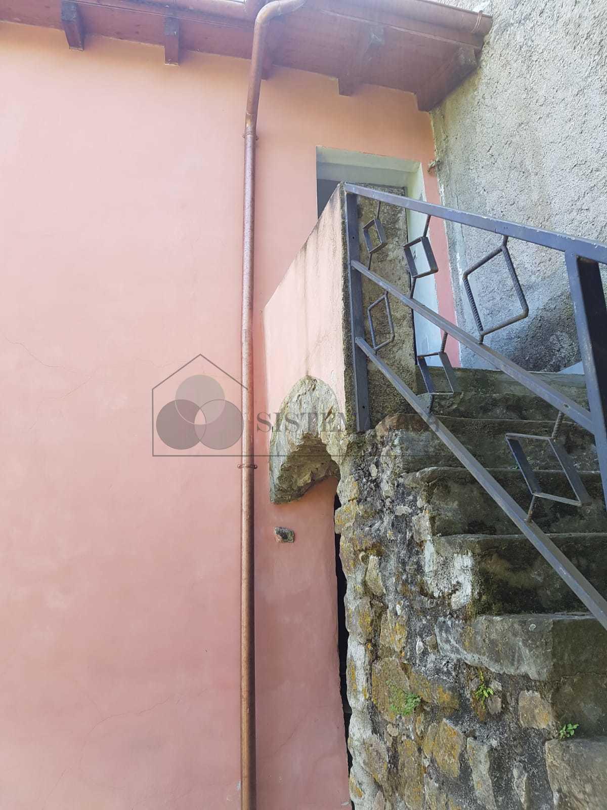 Vendita Semindipendente Porzione di casa a Follo,  (SP) - F238