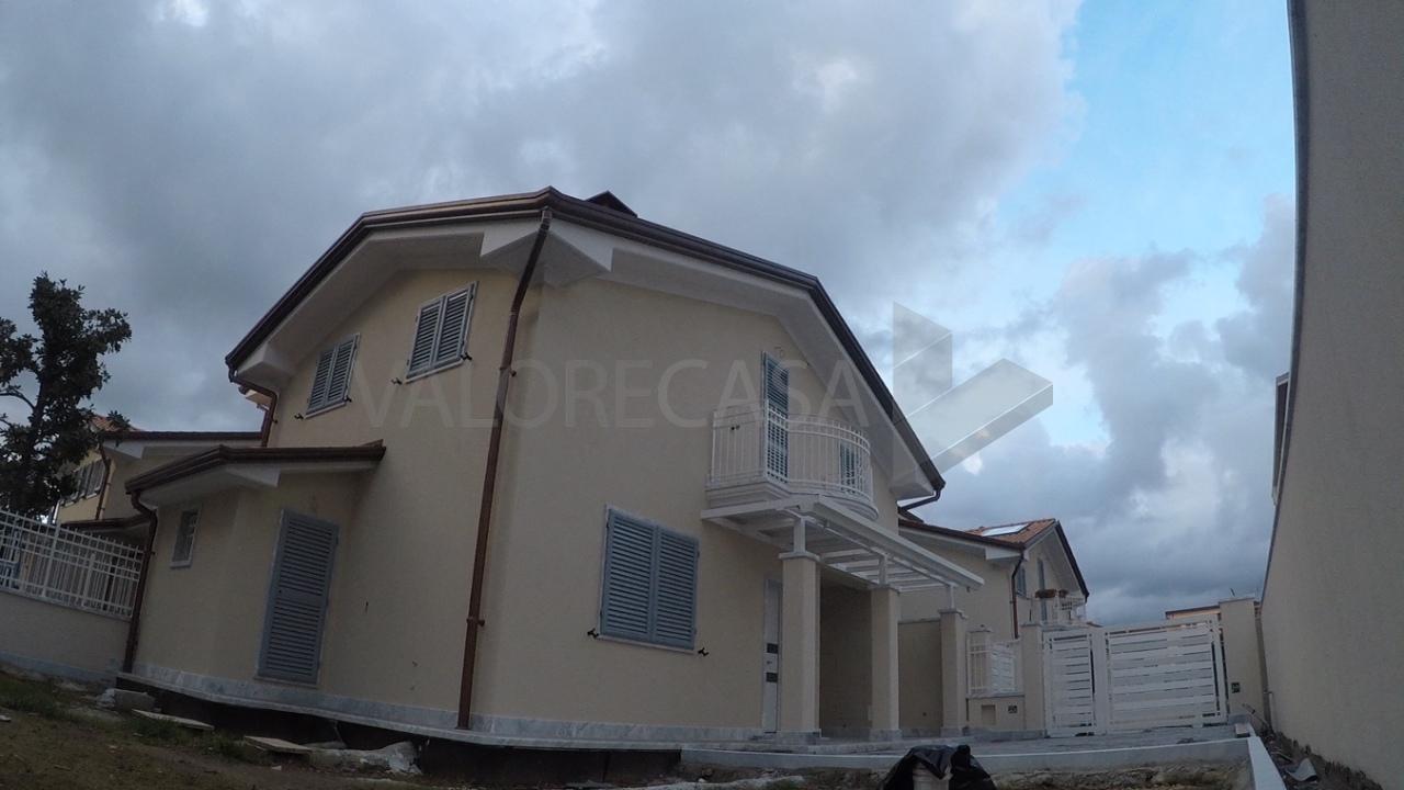 Villetta a schiera in vendita Rif. 5745491