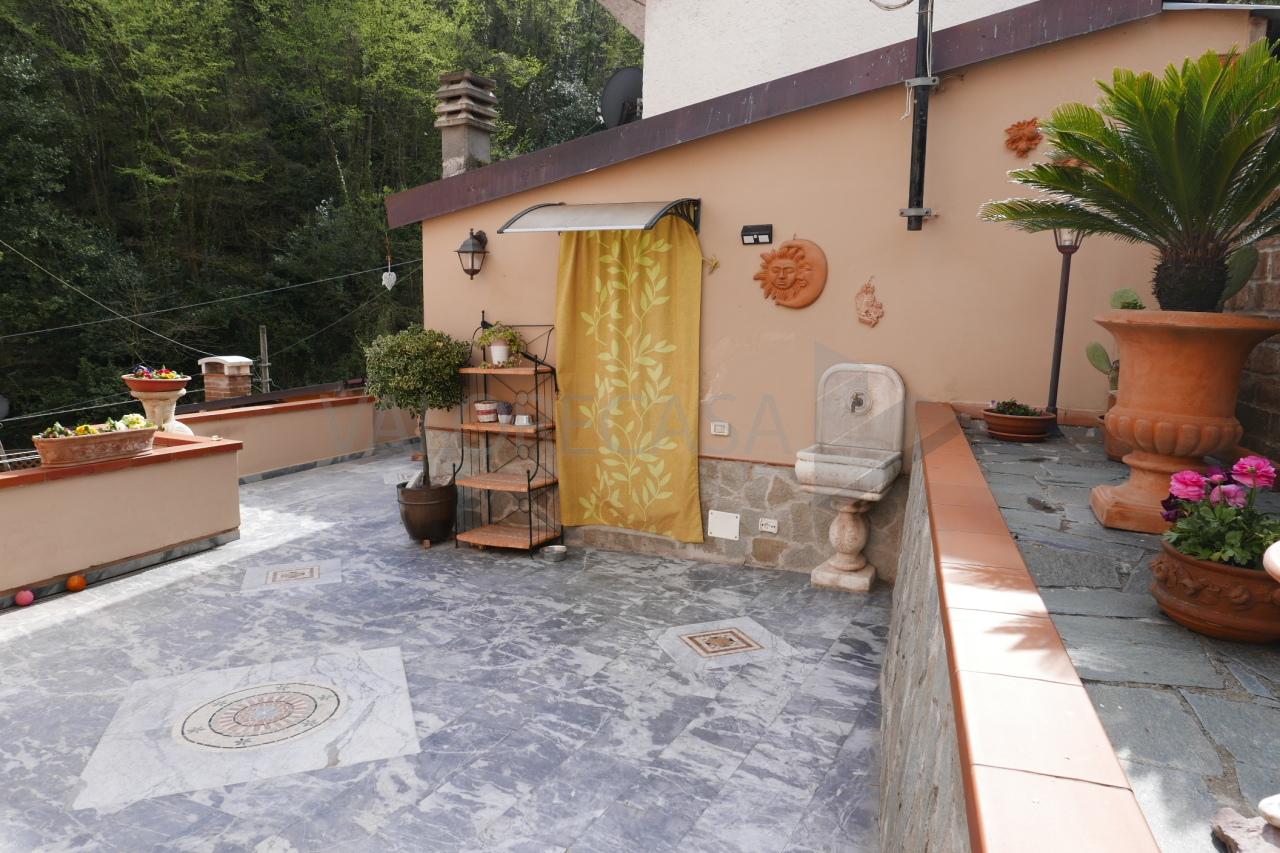 Porzione di casa in ottime condizioni in vendita Rif. 10015496