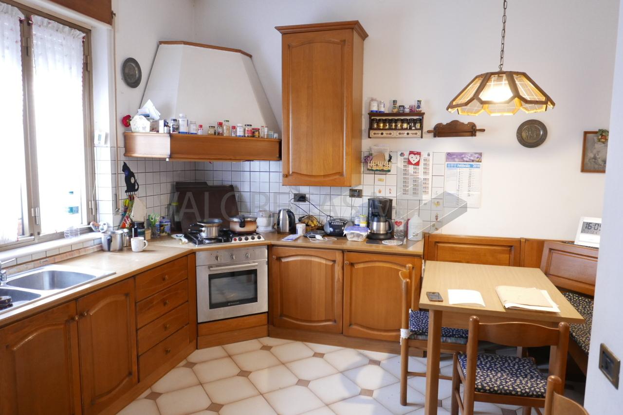 Porzione di casa da ristrutturare in vendita Rif. 5520249