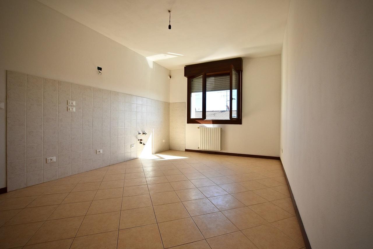 Appartamento in ottime condizioni in vendita Rif. 8476726