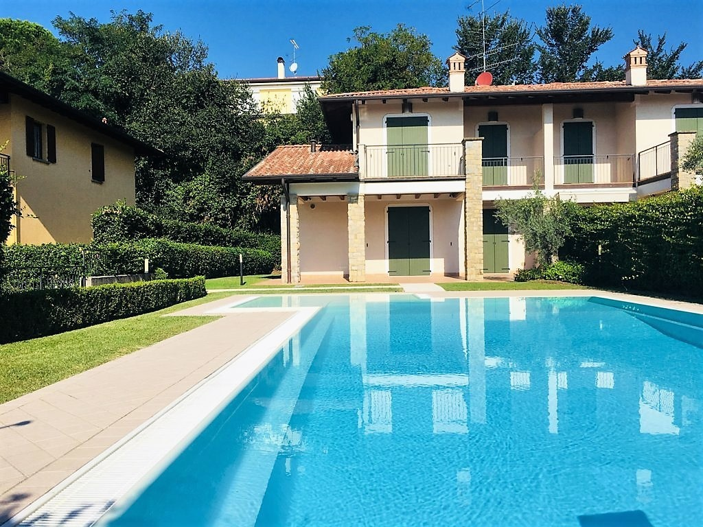 Villetta a schiera in ottime condizioni in vendita Rif. 7955354