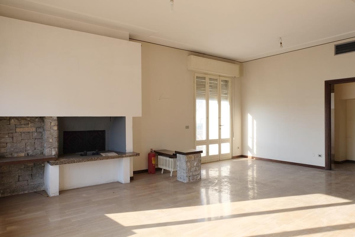 Casa Indipendente da ristrutturare in vendita Rif. 12127432