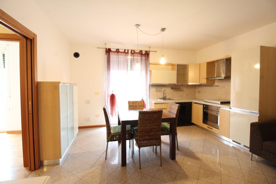 Appartamento in ottime condizioni arredato in vendita Rif. 11289092