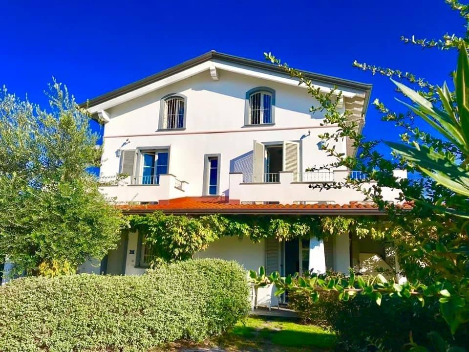 Casa Indipendente in ottime condizioni in vendita Rif. 8844169
