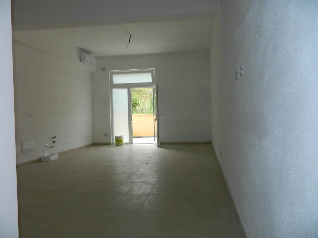 Appartamento ristrutturato in vendita Rif. 10015160