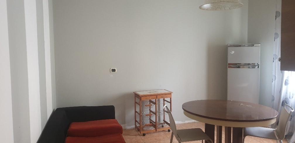 Appartamento in affitto a Varano de' Melegari, 4 locali, prezzo € 600   CambioCasa.it