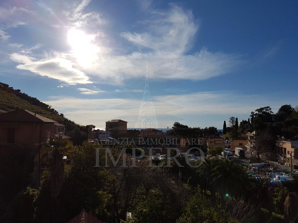 Appartamento in vendita a Ventimiglia, 5 locali, prezzo € 280.000 | PortaleAgenzieImmobiliari.it