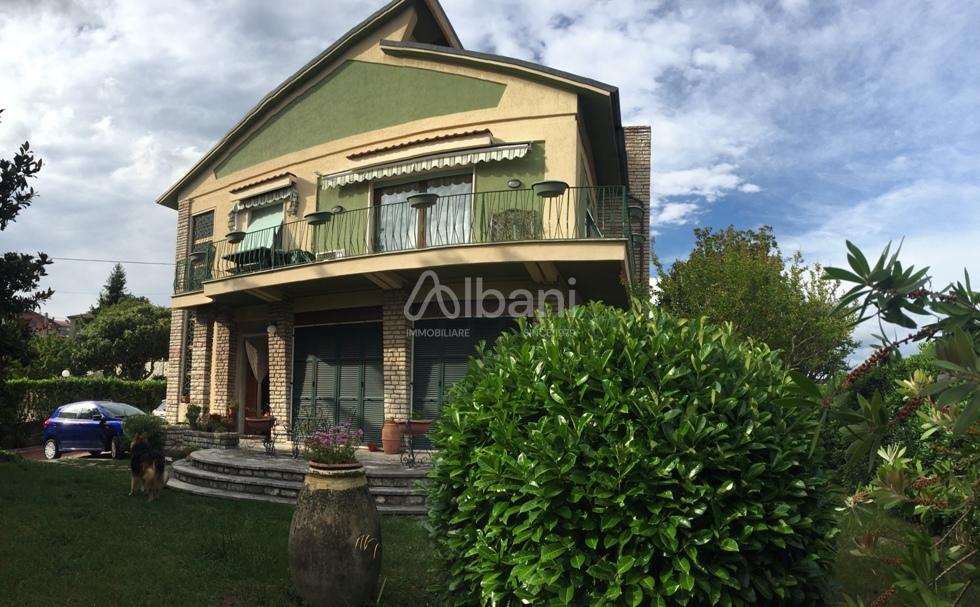 Villetta a schiera in buone condizioni in vendita Rif. 4154083