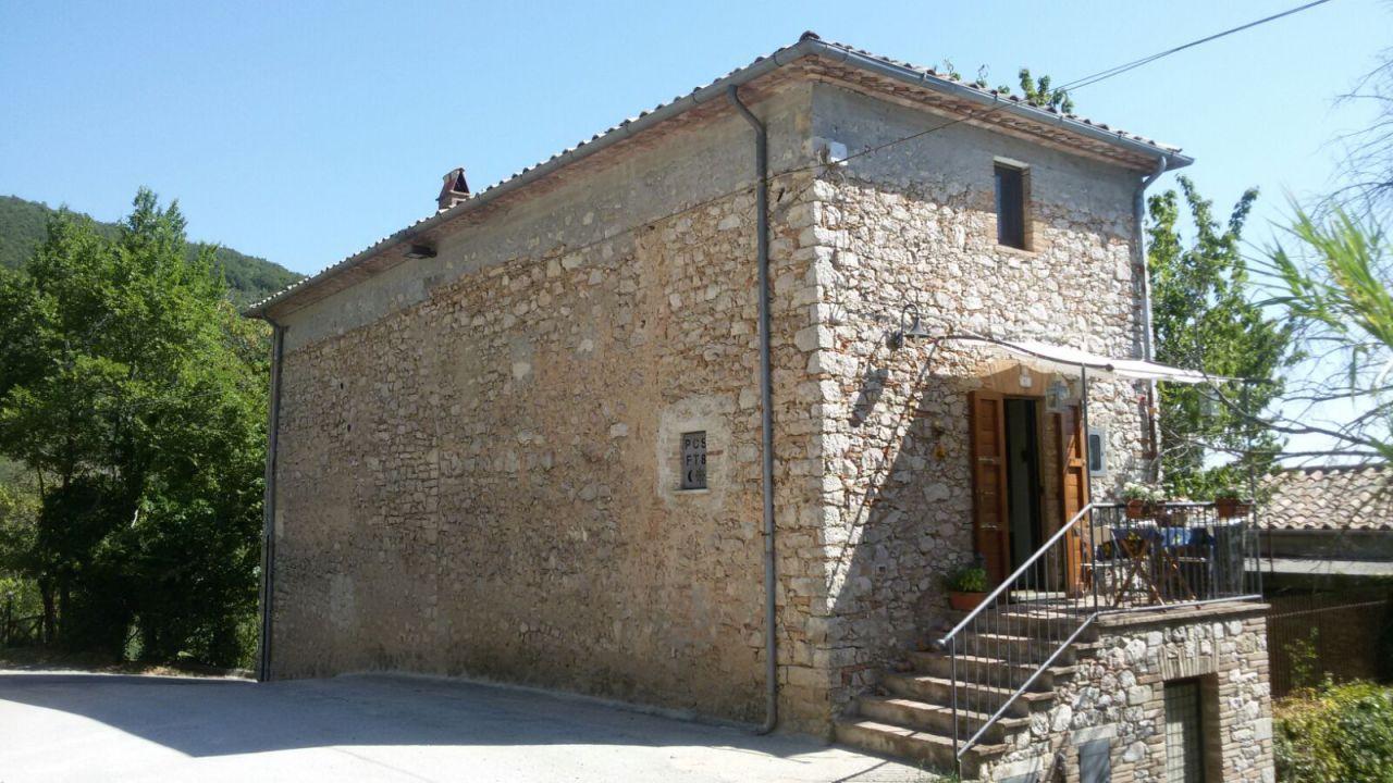 Casa Indipendente ristrutturato in vendita Rif. 4155705