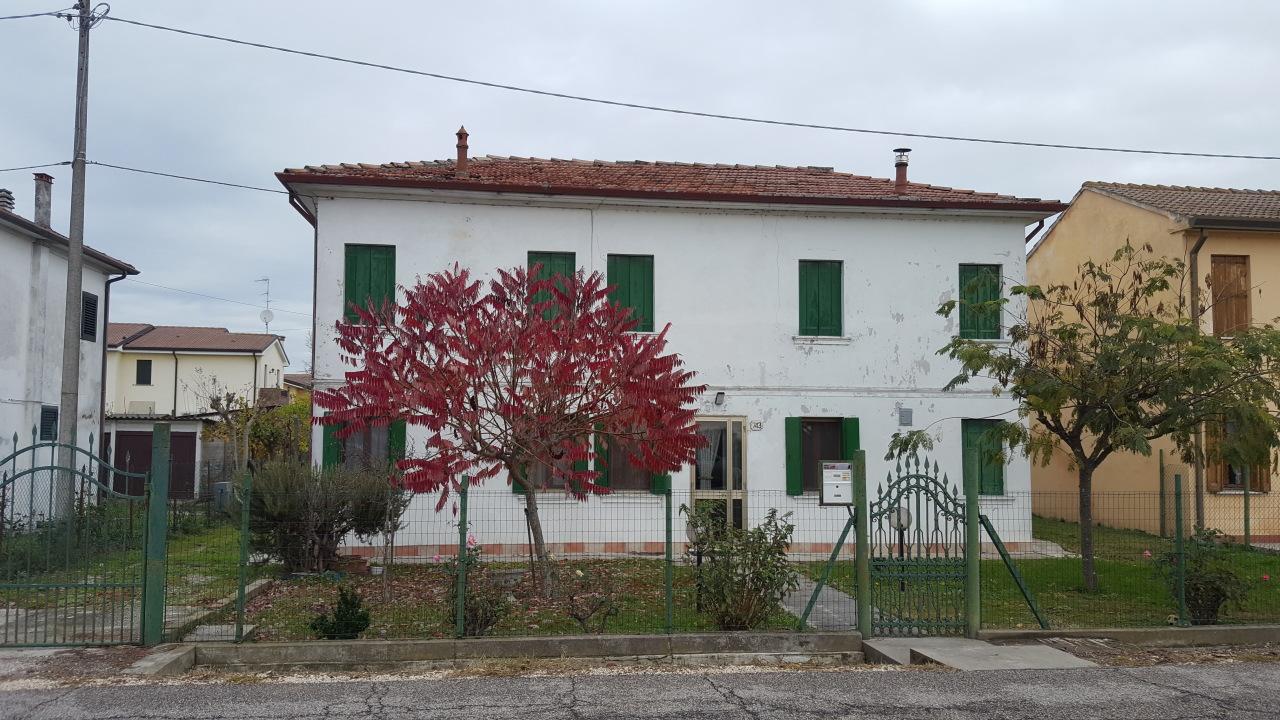 Soluzione Indipendente in vendita a Pontecchio Polesine, 6 locali, prezzo € 80.000 | CambioCasa.it