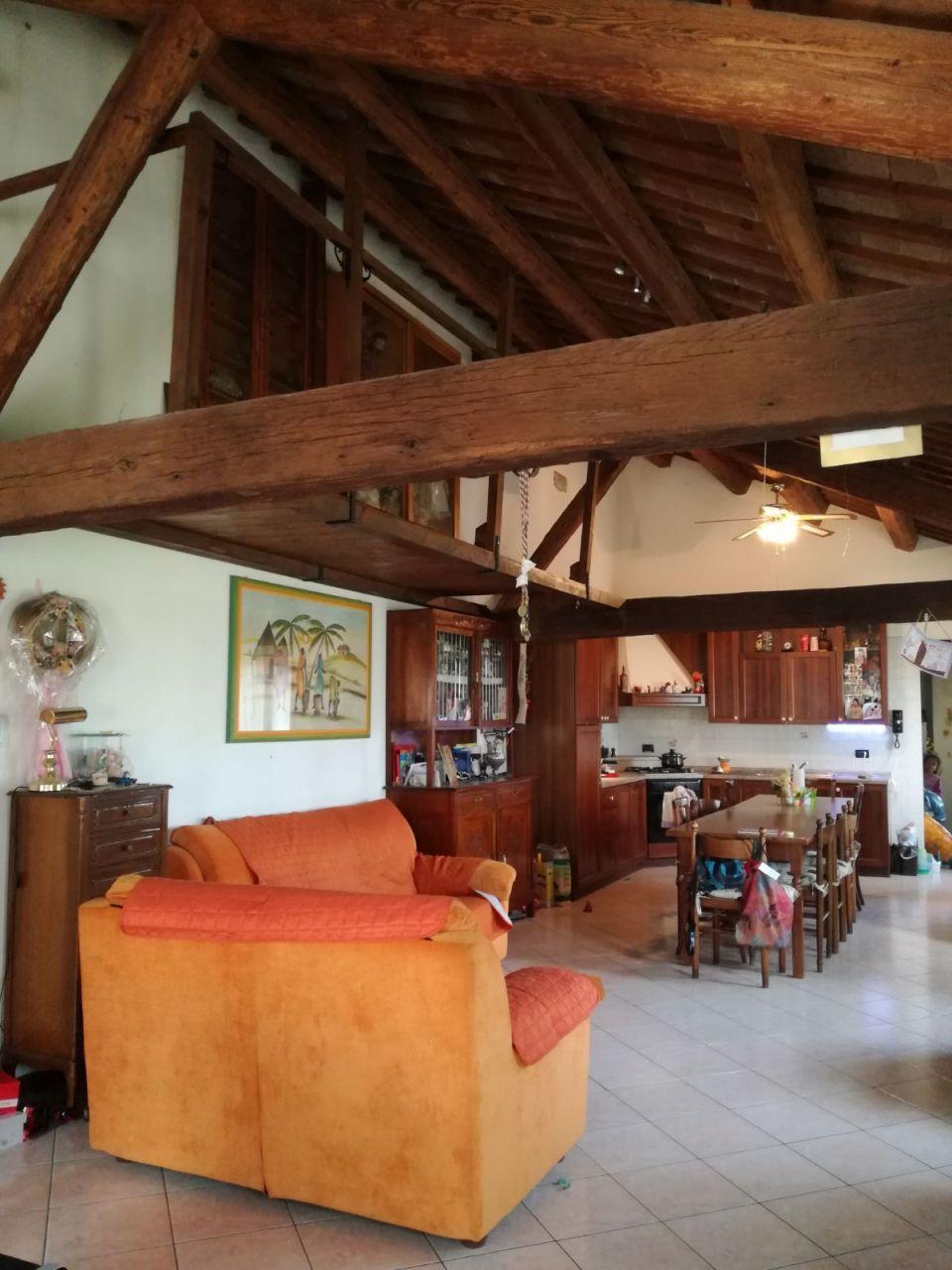 Casa Indipendente ristrutturato in vendita Rif. 8844245