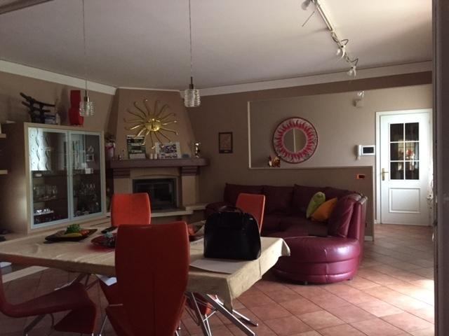 Porzione di casa in ottime condizioni in vendita Rif. 12378266