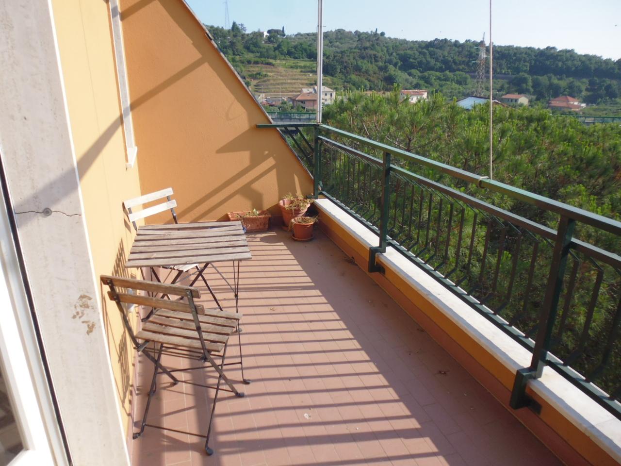 Attico / Mansarda in affitto a Casarza Ligure, 6 locali, prezzo € 500 | CambioCasa.it