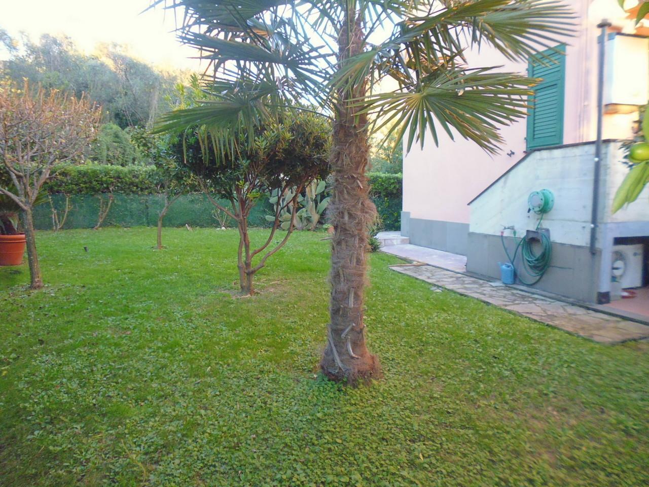 Appartamento in vendita a Sestri Levante, 3 locali, prezzo € 275.000 | CambioCasa.it