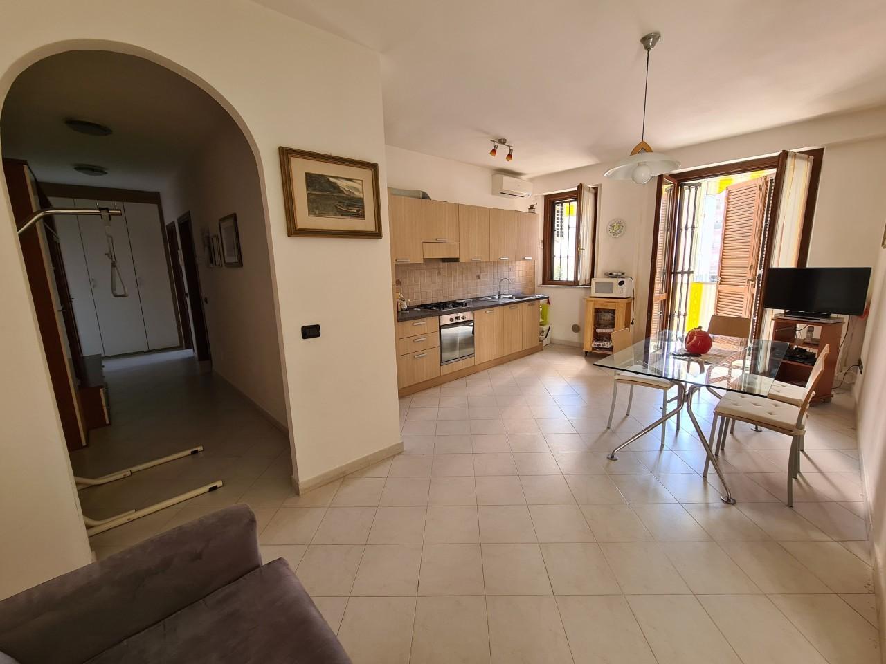 Appartamento in vendita a Santo Stefano di Magra, 2 locali, prezzo € 115.000 | PortaleAgenzieImmobiliari.it