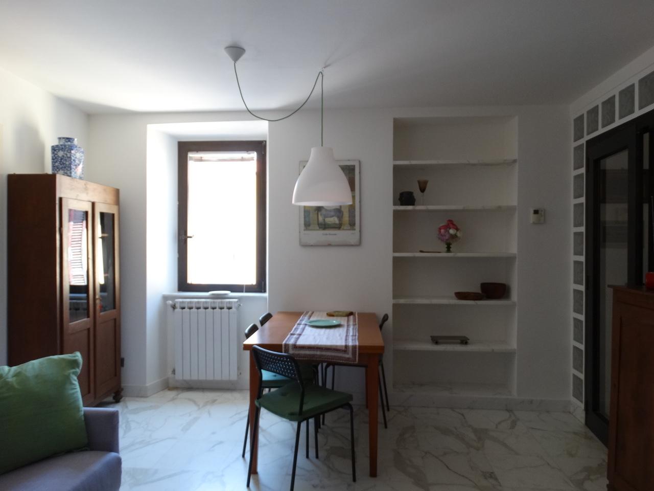 Casa Indipendente in buone condizioni arredato in affitto Rif. 11322279