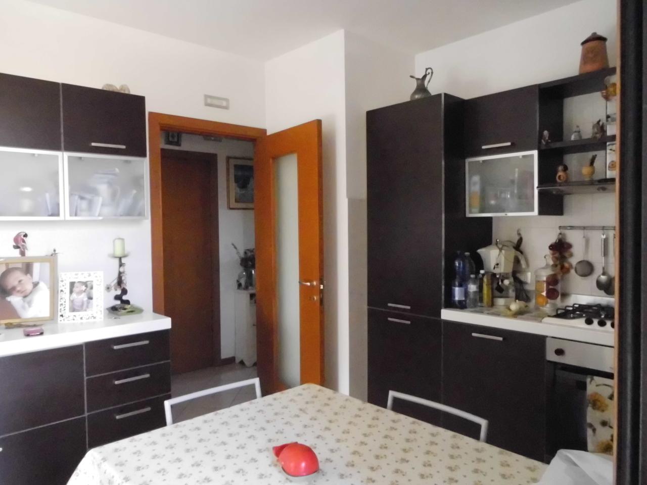 Soluzione Indipendente in vendita a Monte San Vito, 4 locali, prezzo € 135.000 | CambioCasa.it