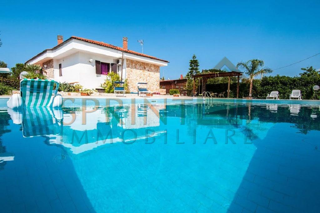 Villa in ottime condizioni in vendita Rif. 9811434