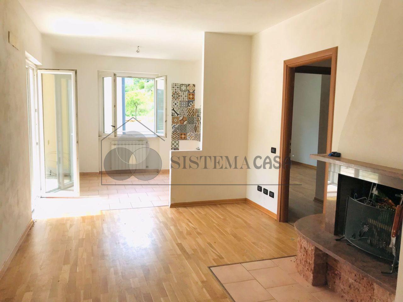 Appartamento in vendita a Follo, 4 locali, prezzo € 155.000   PortaleAgenzieImmobiliari.it