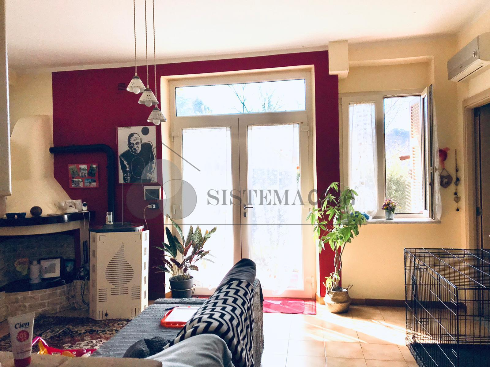 Vendita Semindipendente Porzione di casa a Calice al Cornoviglio,  (SP) - F271