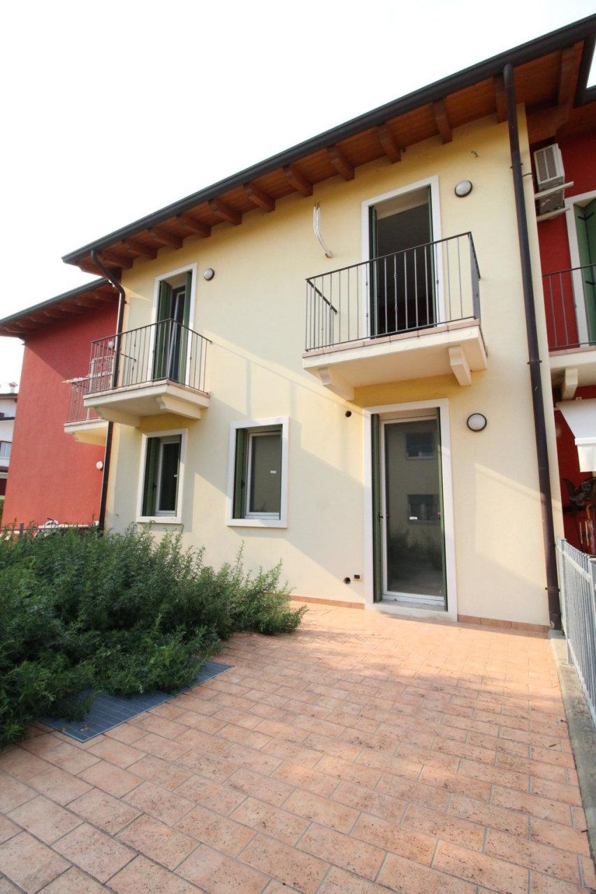 Appartamento in ottime condizioni in vendita Rif. 4156545