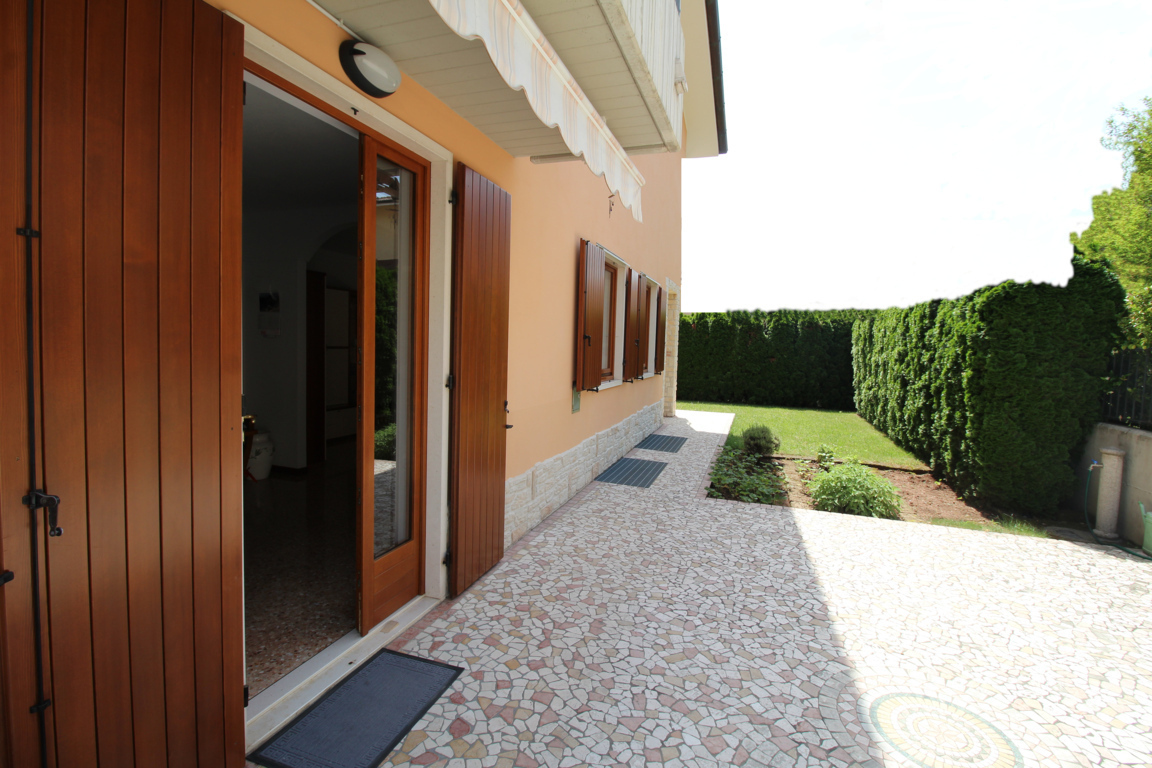 Casa Indipendente in ottime condizioni in vendita Rif. 10491947