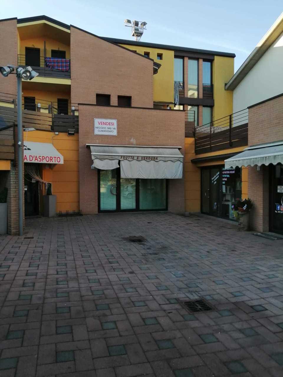 Locale commerciale - 1 Vetrina a Medesano Rif. 11915733