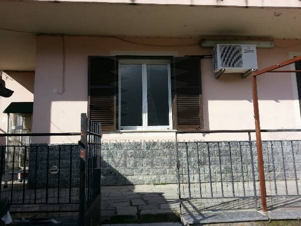 Porzione di casa da ristrutturare in vendita Rif. 9811176