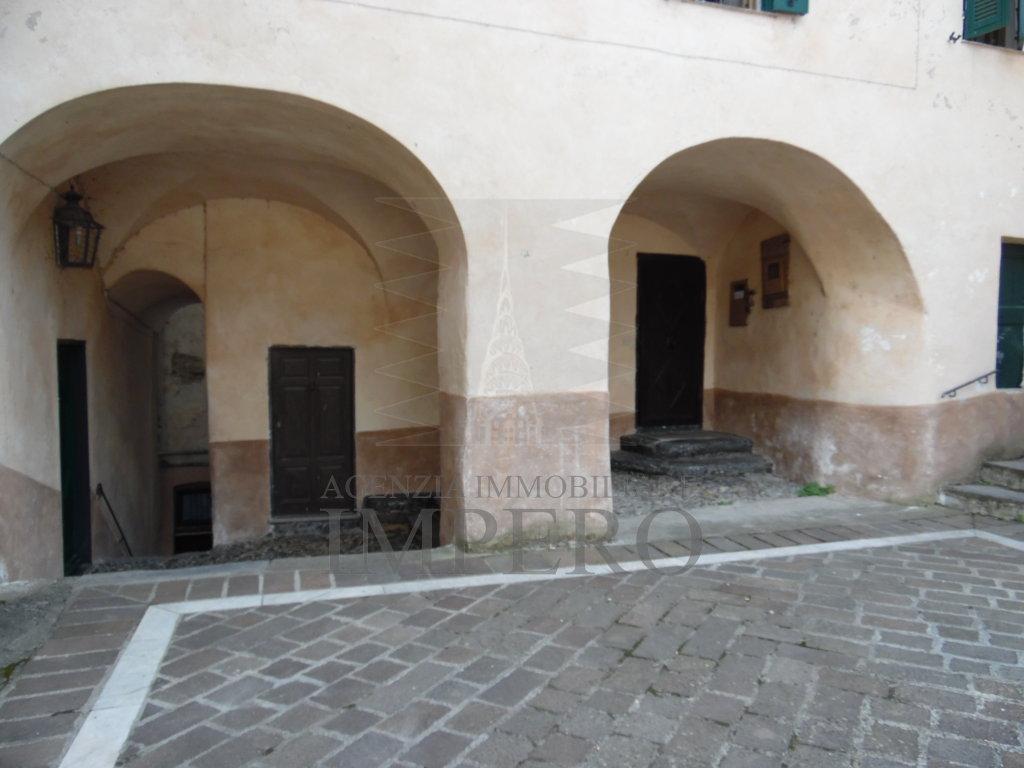 Soluzione Semindipendente in vendita a Rocchetta Nervina, 5 locali, prezzo € 290.000   CambioCasa.it