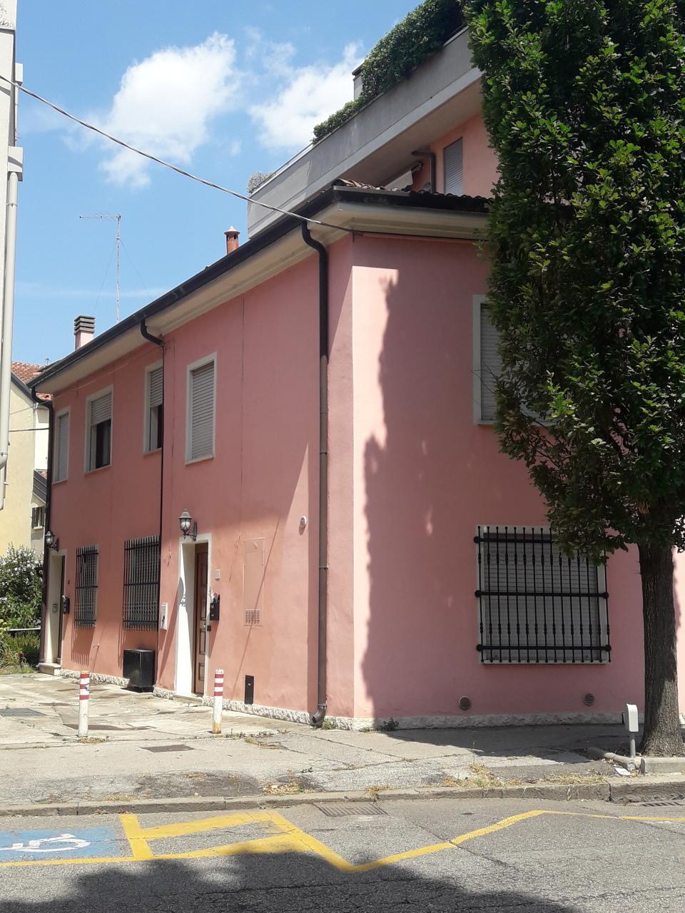 Trilocale ristrutturato in affitto Rif. 8572798