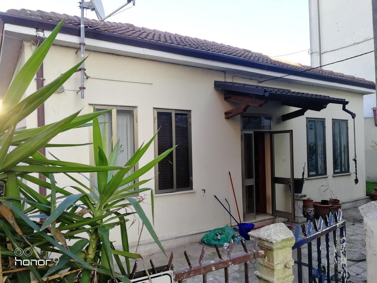 Casa Indipendente da ristrutturare in vendita Rif. 8996915