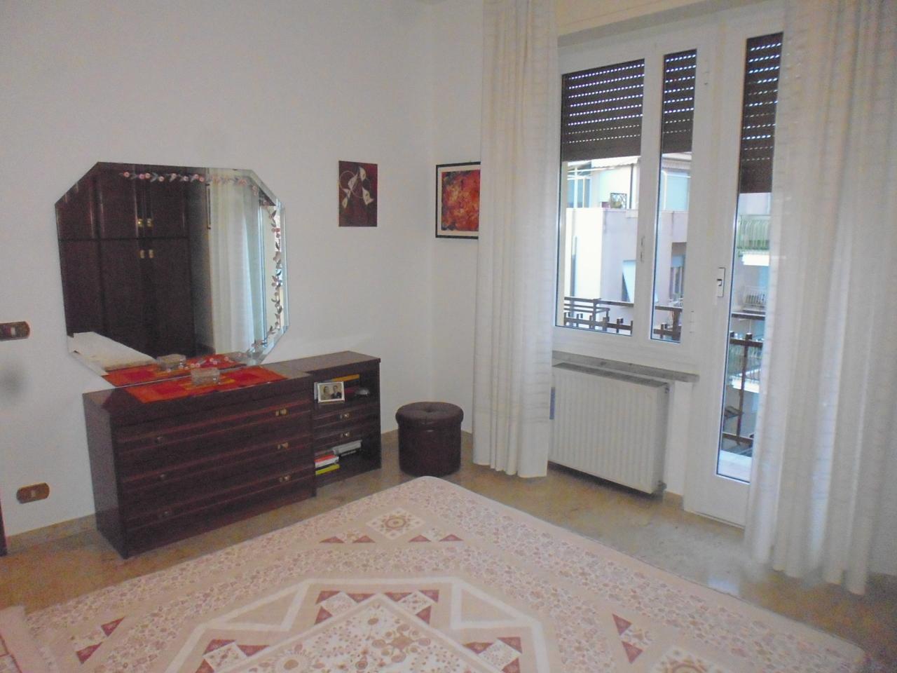 Appartamento in vendita a Chiavari, 5 locali, prezzo € 215.000   CambioCasa.it