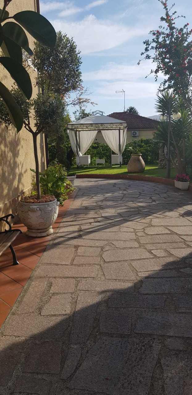 Soluzione Semindipendente in affitto a Castelnuovo Magra, 4 locali, prezzo € 600 | PortaleAgenzieImmobiliari.it