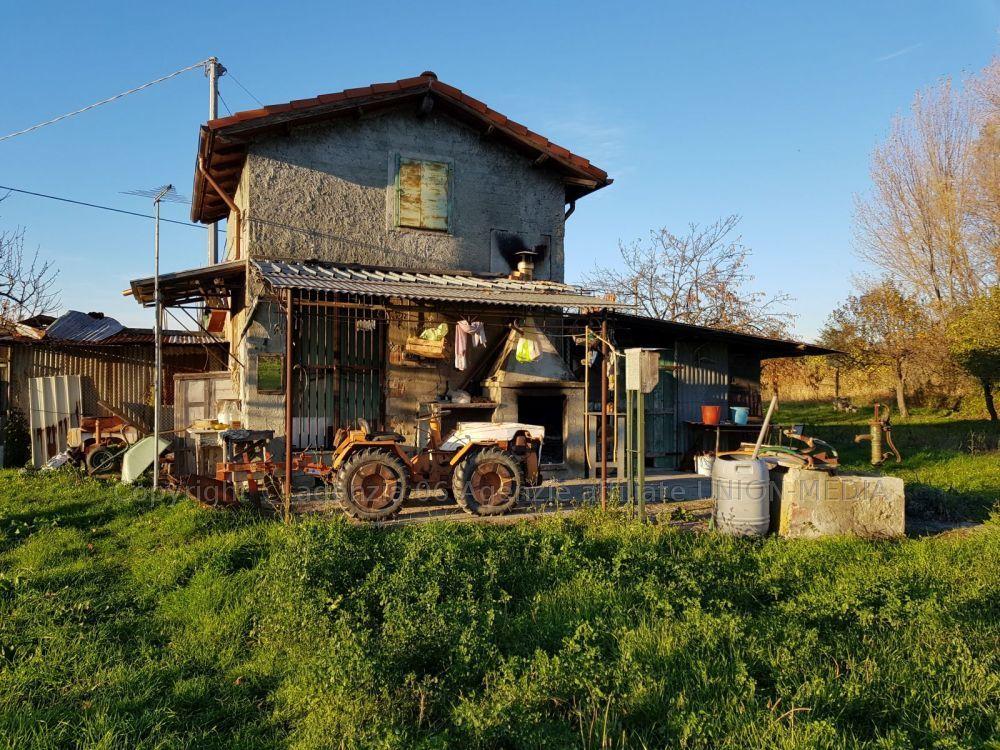 Rustico / Casale in vendita a Arcola, 3 locali, prezzo € 49.000 | CambioCasa.it