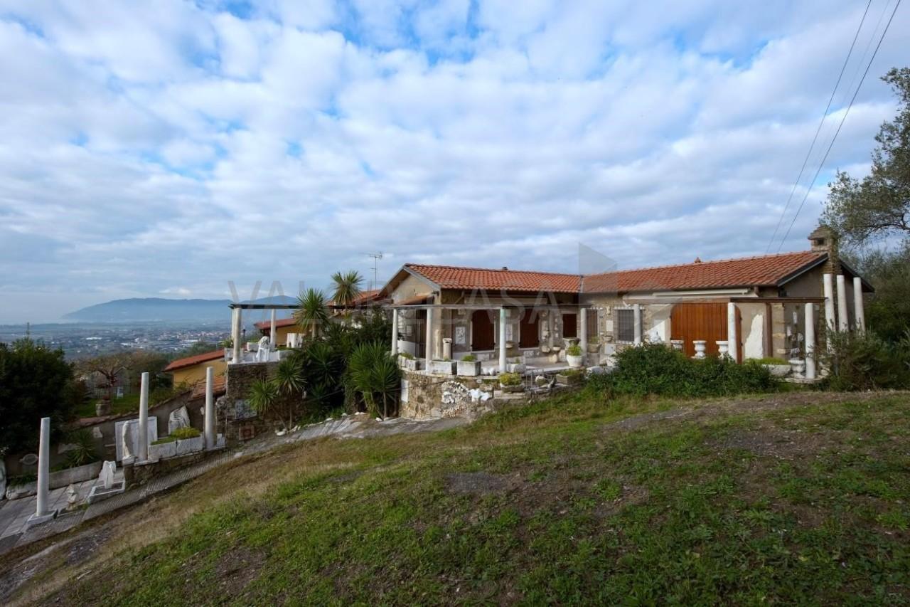 Porzione di casa in ottime condizioni in vendita Rif. 6341114