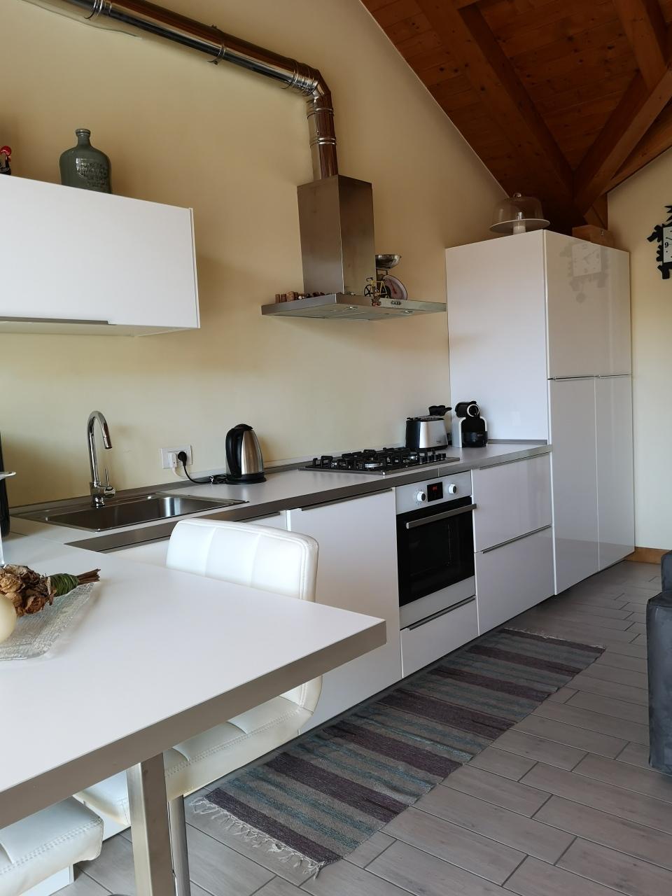 Appartamento in affitto a Gattico, 2 locali, prezzo € 450 | CambioCasa.it