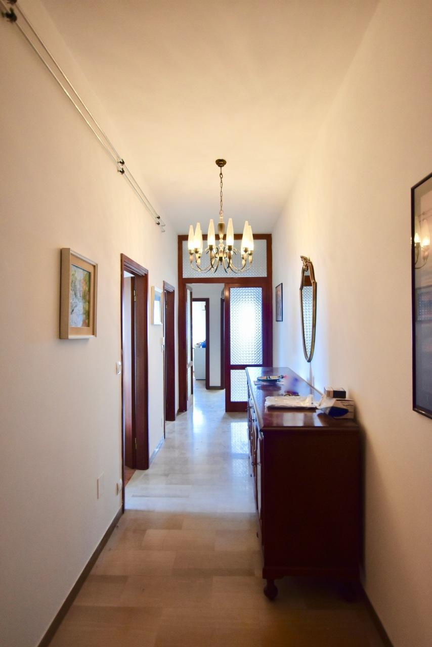 Appartamento in buone condizioni in vendita Rif. 10565601