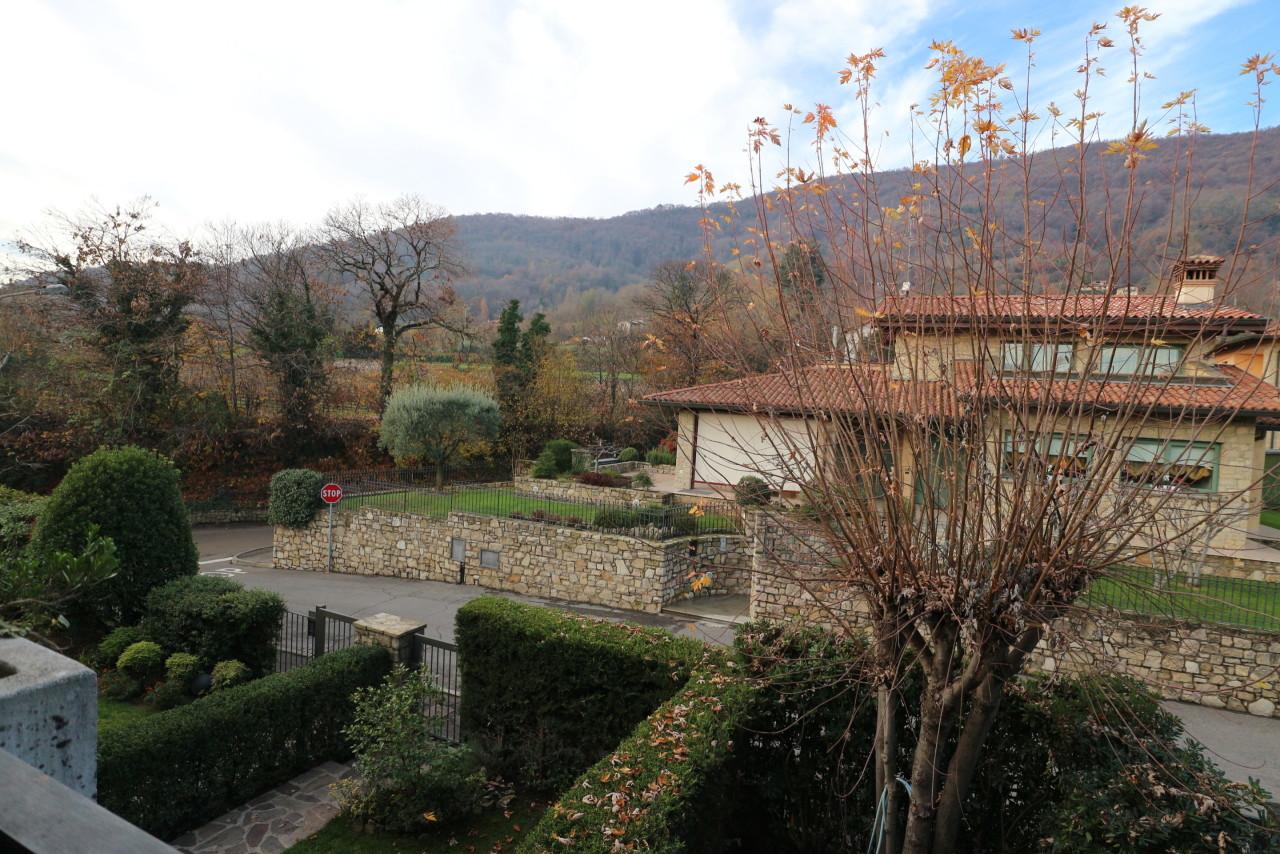 Semindipendente - Villa a schiera a Colombaro, Corte Franca