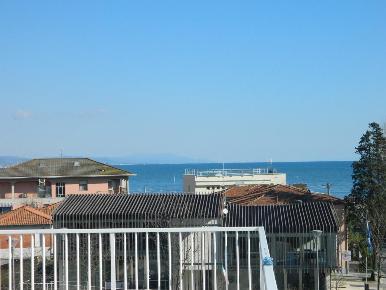 Appartamento in vendita a Ameglia, 2 locali, prezzo € 145.000 | PortaleAgenzieImmobiliari.it