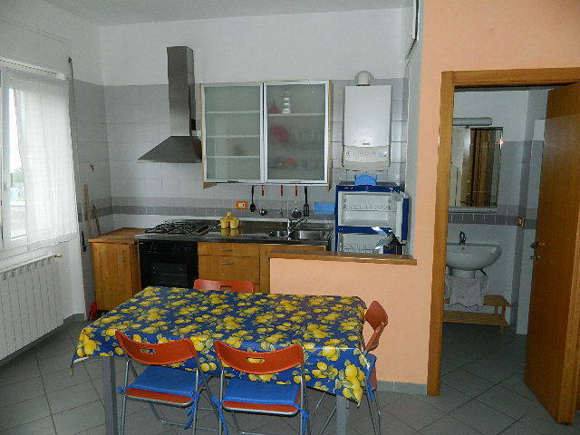 Appartamento in affitto a Ameglia, 1 locali, prezzo € 400 | PortaleAgenzieImmobiliari.it