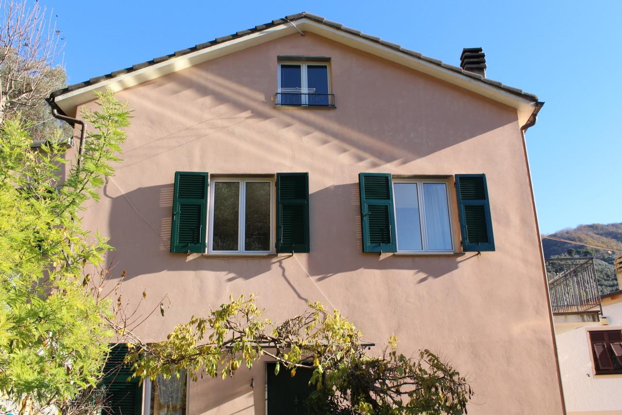 Porzione di casa in buone condizioni in vendita Rif. 8971571
