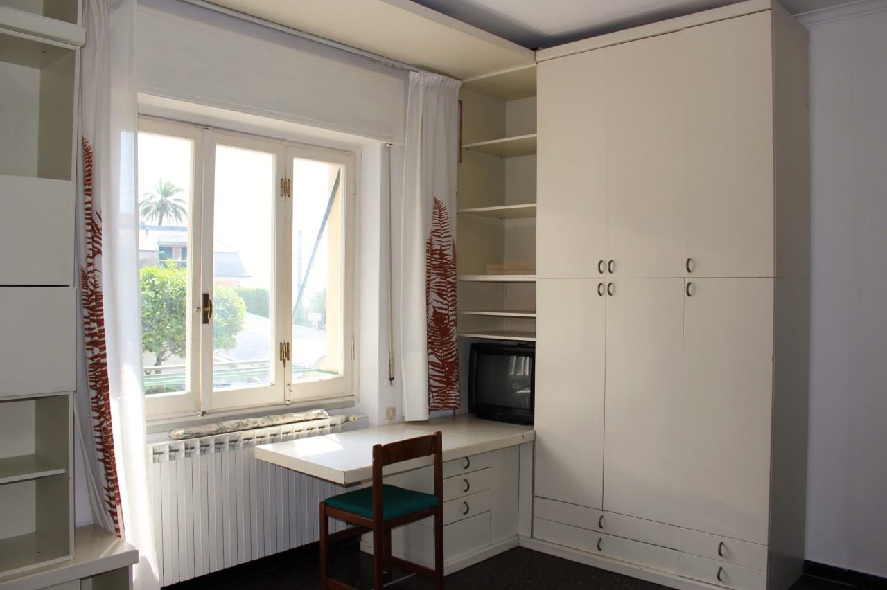 Appartamento in vendita a Bogliasco, 5 locali, prezzo € 125.000 | CambioCasa.it